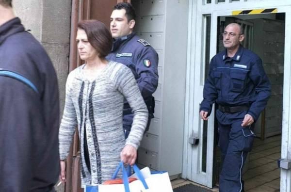 Медсестра, подозреваемая в 13 убийствах, вышла на свободу