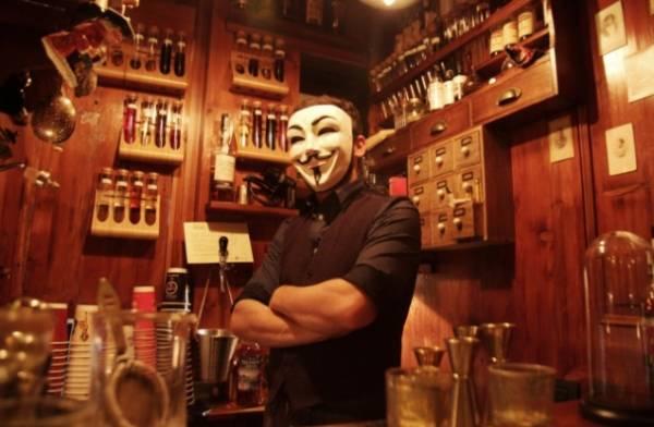 Миланский мини-бар Back Door 43 – самый маленький в мире