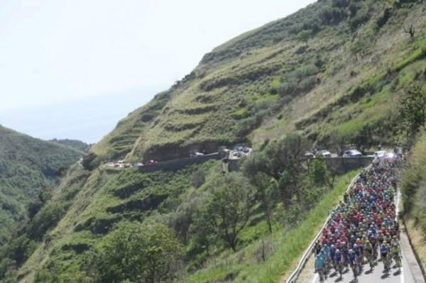 В Италии Джиро-2016 стартовала в Катандзаро