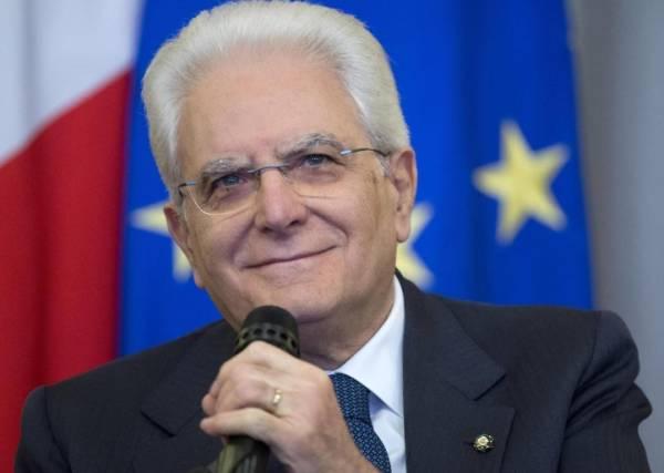 СМИ Италии: Серджо Маттарелла разрешил однополые браки