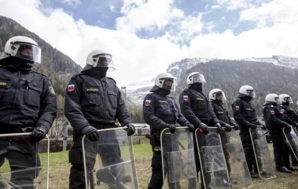 Австрия направила 50 дополнительных полицейских на границу с Италией