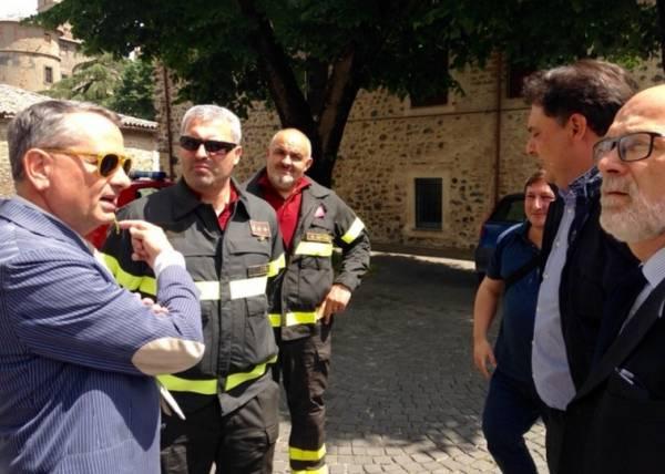 Три подземных толчка посеяли панику в Умбрии