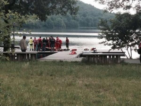 Мигрант, переживший крушение судна, утонул в итальянском озере