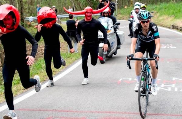 Микель Ниеве одержал победу на горном альпийском этапе Джиро