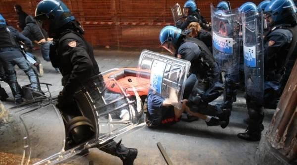 Болонья: Демонстрация протеста не удалась