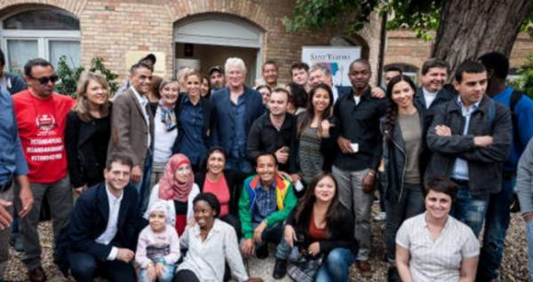 Актер Ричард Гир посетил римский приют для бездомных