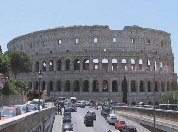 Колизей очистили от грязи и копоти