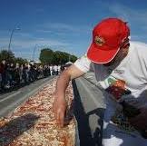 Самая длинная пицца в мире сделана в Неаполе: рекорд в Книге Гиннеса