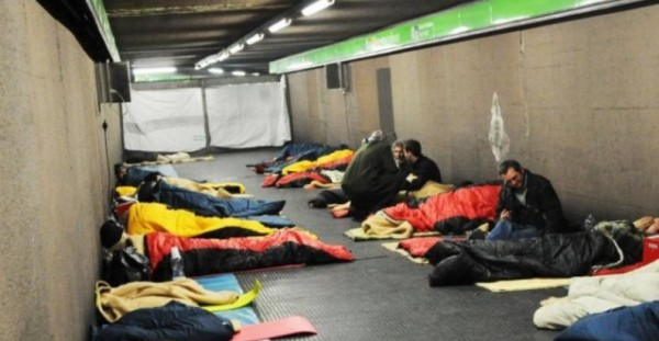 Неаполь готовится к резкому похолоданию: метро открыто для людей