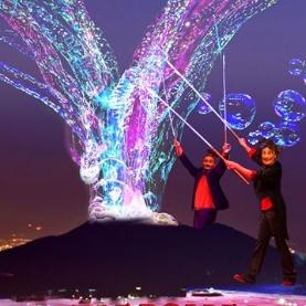 Неаполь, Цирк мыльных пузырей в Галерее Толедо
