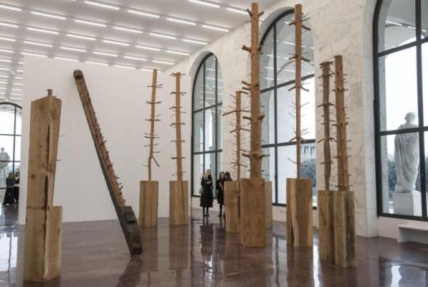 лесные скульптуры покажут на выставке в Риме