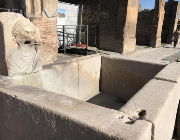 Помпеи: отреставрированы 12 античных фонтанов