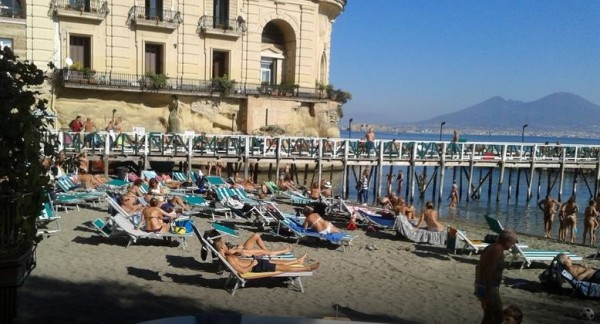 мест пляж Bagno Sirena в Позиллипо
