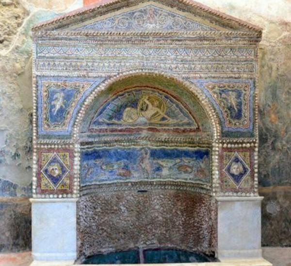 Помпеи. Ожил после реставрации Дом Раненого Медведя