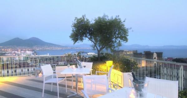 Неаполь: налог на пребывание в отеле вырос