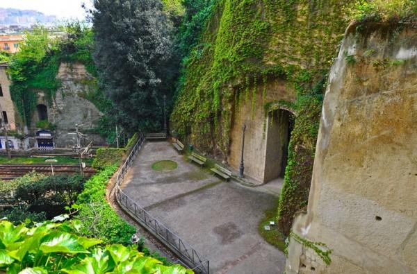 парк Вергилия и могила Леопарди