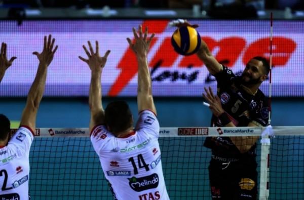 Волейболисты из Чивитанова – чемпионы Италии!