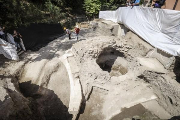 Сенсационное открытие в Помпеях: найдена могила близкого друга Нерона