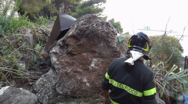 Ночь страха на Капри: ливень обрушил скалу на крыши домов