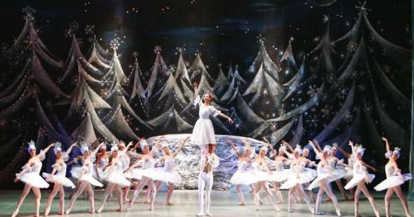 Балет «Щелкунчик» из Санкт-Петербурга на сцене театра Политеама