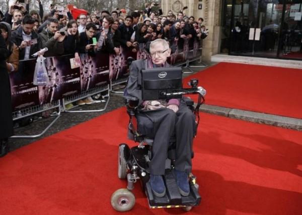 СМИ Италии: Умер Стивен Хокинг
