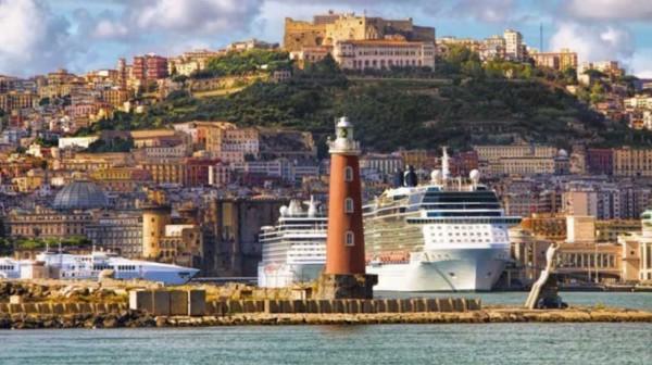 Неаполь, Замок Сант-Эльмо: итальянские и китайские художники на выстав