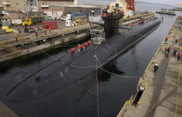 Ядерная подлодка в порту Неаполя: участница атаки на Сирию