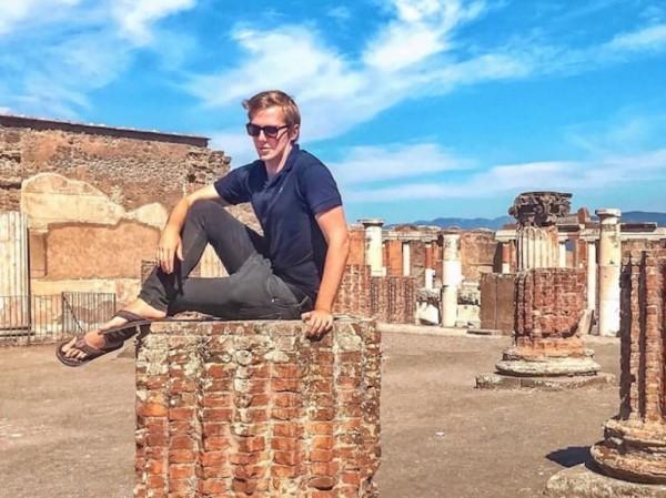 Travel-блоггер извиняется за фотографию в Помпеях