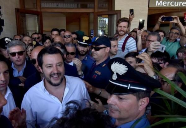 Сальвини обещает обуздать миграцию: «Стоп лагерю беженцев в Сицилии»