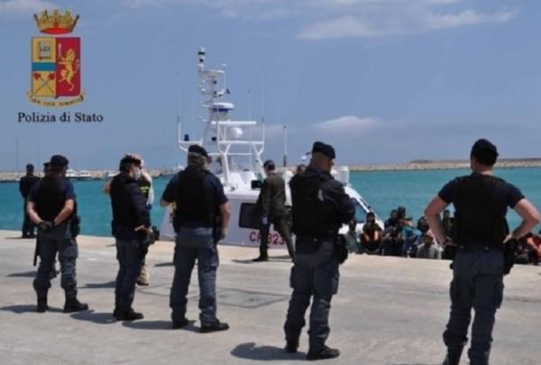 �талия и Греция арестовали около 250 украинских моряков