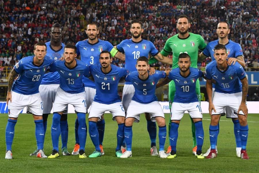 адресована путешественникам, футболисты сборной италии фото считают, что одном