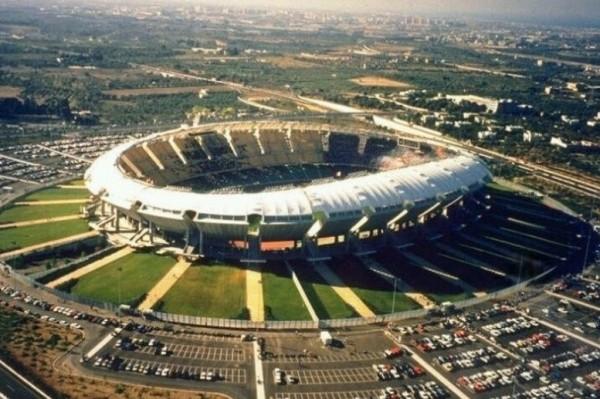 стадион «Сан-Никола» в Бари