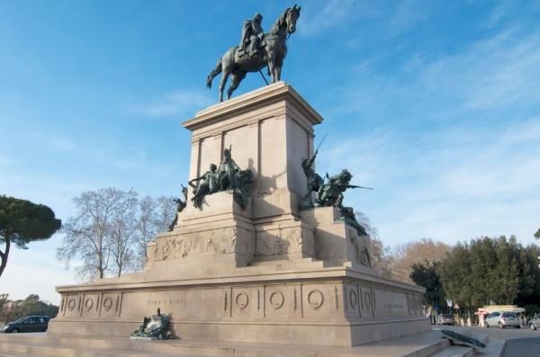 Рим: Монумент Джузеппе Гарибальди оказался под угрозой разрушения