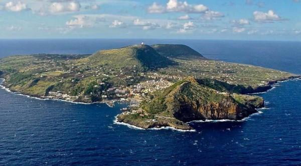 Сицилия: произошло землетрясение вблизи острова Устика