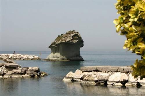 Остров Искья. Скала Шампиньон