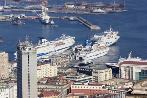 Панорама неаполитанского порта