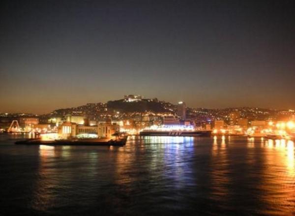 Неаполь - солнечный город... даже ночью