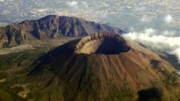 Везувия - самого активного действующего вулкана Европы