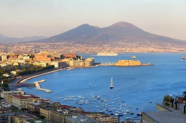 Неаполь - итальянский город