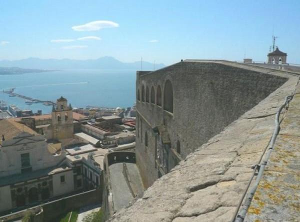 Кастель Сант-Эльмо, Неаполь