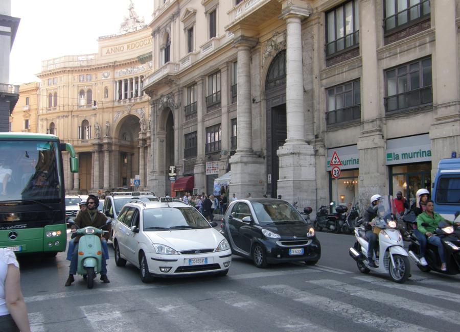 Прогулка по городу Неаполь оставляет приятнное впечатление