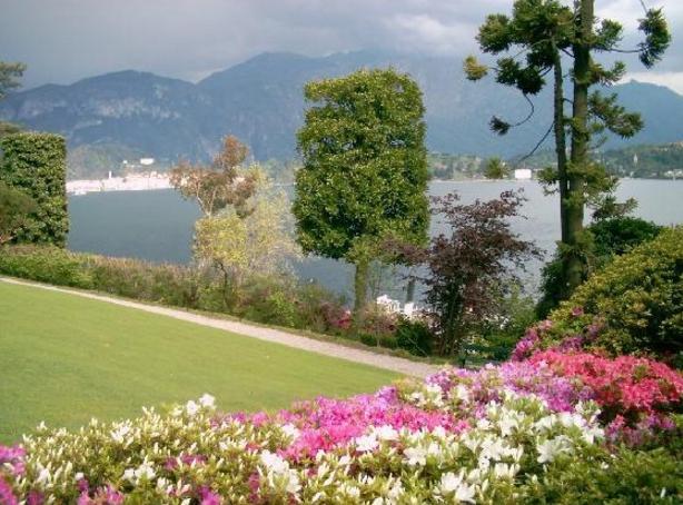 Ещё один чудесный городок, обещающий замечательную прогулку и любование красивейшими виллами, - это Тремеццо