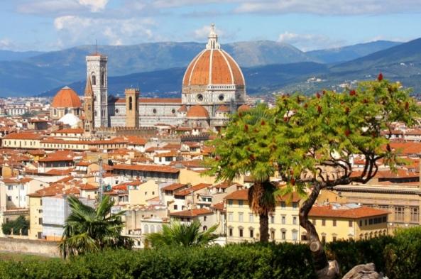Довольно выгодно вложить сбережение в недвижимость в городах: Сиена, Пиза и Флоренция