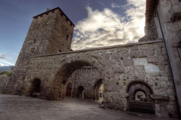 Самая внушительная достопримечательность региона – это Крепость Бард (1883 год)