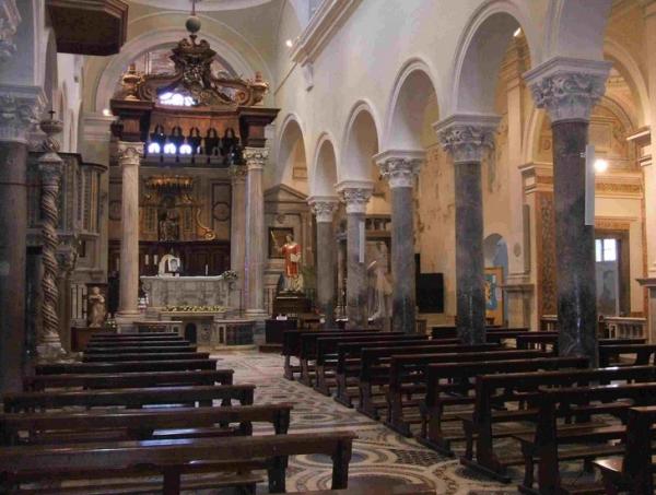 К поздним постройкам в Террачина относят Кафедральный Собор