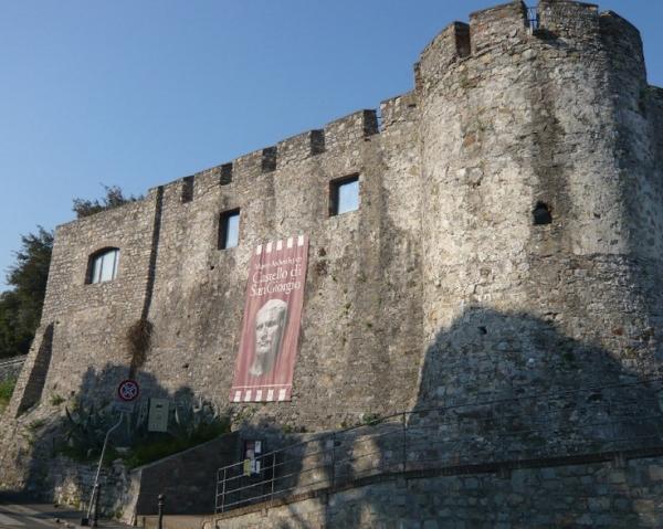 Для приезжих в Специю будет интересно осмотреть замок Святого Георгия
