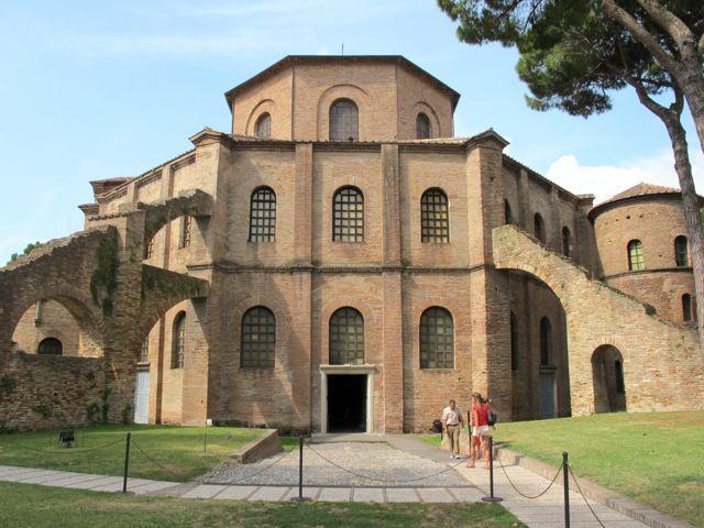город Равенна - базилика Сан Витале