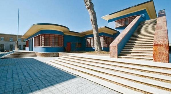 Интересное и необычное построение в Сабаудии – здание Почты