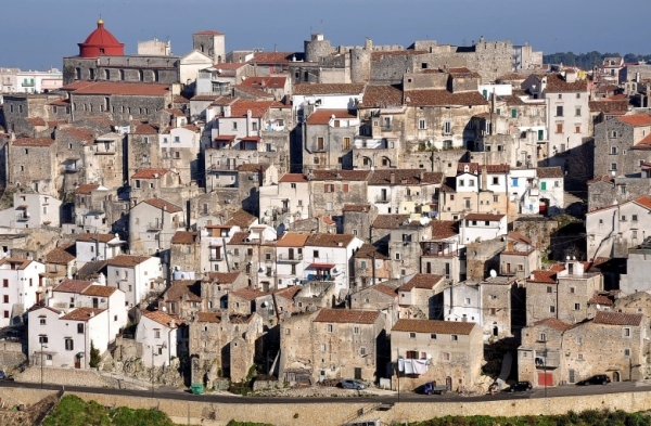 вы просто обязаны увидеть древнейший город Апри, расположенный вблизи Фоджи