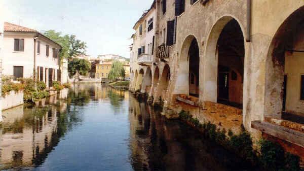 Часто Тревизо называют миниатюрной Венецией